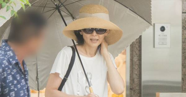 南果歩 News: 南果歩 渡辺謙の再々婚報道に絶句「私の傷は一生癒えない