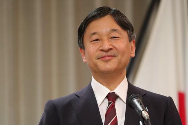 皇太子さま「令和」に笑顔\u2026安倍首相と発表3日前
