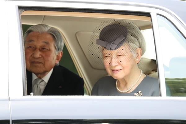 上皇 皇后 さま